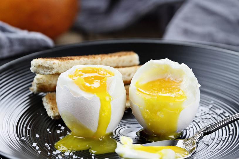 Najzdrowsze są jajka gotowane na miękko /123RF/PICSEL