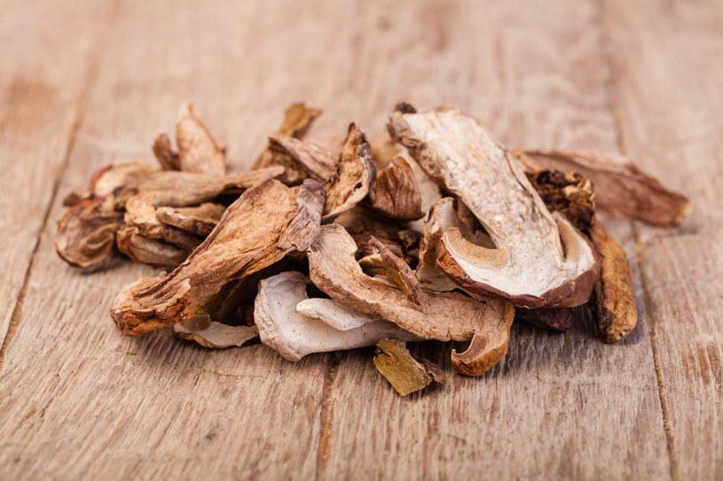 Najzdrowszym sposobem przechowywania grzybów jest ich mrożenie i suszenie /123RF/PICSEL