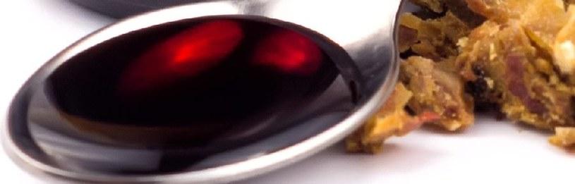 Nalewka z propolisu /©123RF/PICSEL