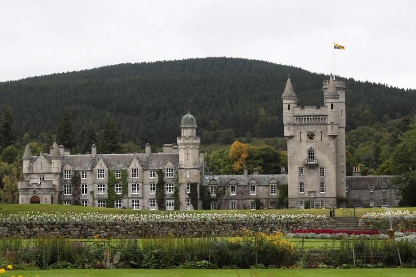 Należący do królowej zamek Balmoral w Szkocji, jedna z głównych rezydencji brytyjskiej monarchini. /Andrew Milligan    /AFP