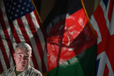 Naloty USA na pozycje talibów. Pentagon ostrzega
