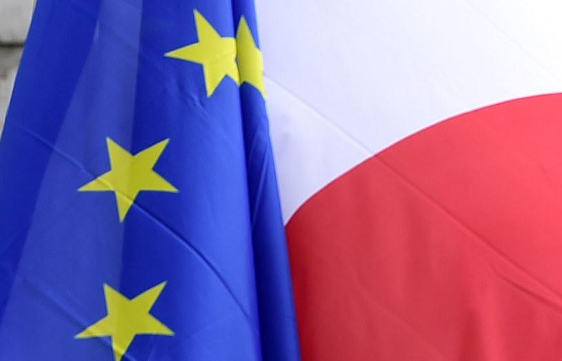 Nałożenie unijnych sankcji na Polskę jest prawie niemożliwe? /TOBIAS SCHWARZ /AFP