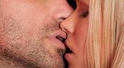 Namiętny pocałunek: Sposób na umocnienie związku