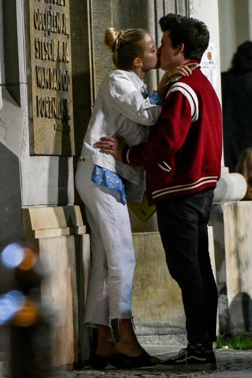 Namiętnym pocałunkom nie było końca! /pomponik exclusive