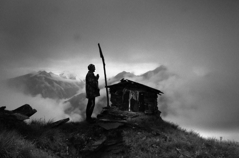 Nanda Devi (7816 m n.p.m.) to drugi co do wysokości szczyt Indii. Dla mieszkańców himalajskiego stanu Uttarakhand ta góra jest najważniejszą boginią hinduistycznego panteonu, ich matką i małżonką boga Sziwy /Martushka Fromeast/ Freelancer /