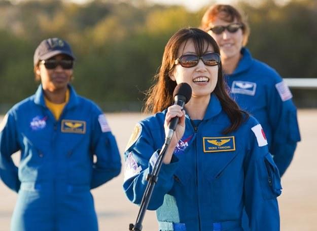Naoko Yamazaki kosmos podbije w szortach i niebieskim sweterku /Getty Images/Flash Press Media