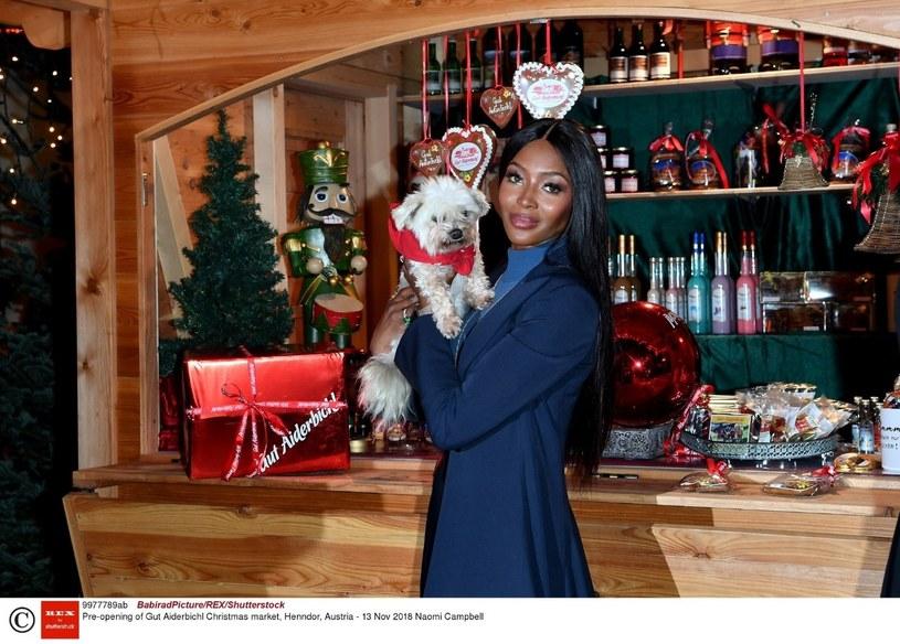 Naomi szybko stała się ikoną mody /East News