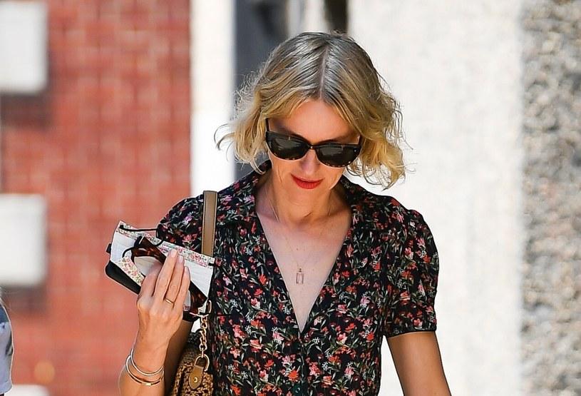 Naomi Watts śmiało mogłaby uchodzić za kobietę młodszą o co najmniej dekadę! /Robert O'neil / SplashNews.com /East News
