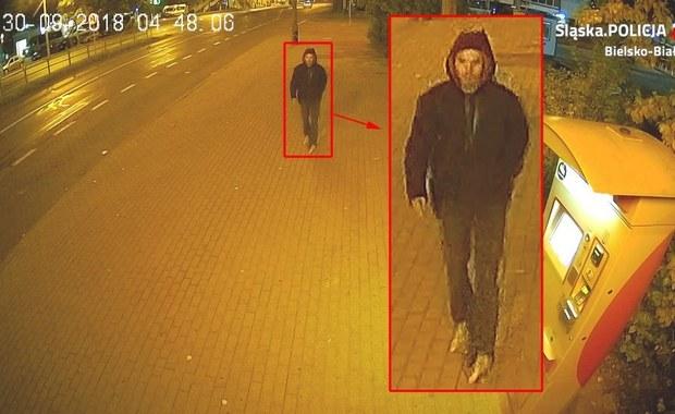 Napadł na kobietę w Bielsku-Białej. Rozpoznajesz go?