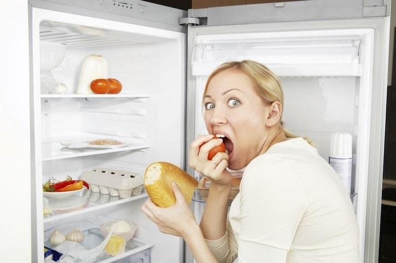 Napady głodu przyczyny /© Photogenica