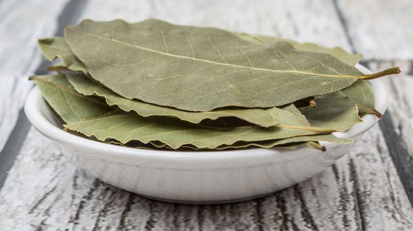 Napar z liści laurowych: jak go przygotować /123RF/PICSEL