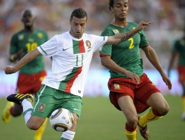 Napastnik Portugalii Simao Sabrosa /AFP