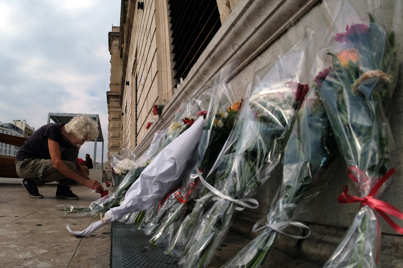 Napastnika z Marsylii zastrzelił żołnierz ochraniający dworzec w ramach antyterrorystycznej operacji Sentinelle /BORIS HORVAT /AFP