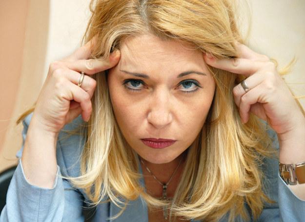 Napięciowy ból głowy miewa charakter epizodyczny lub trwa tygodniami /123RF/PICSEL