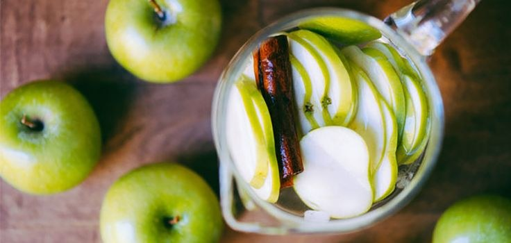 napój jabłko cynamon /© Photogenica