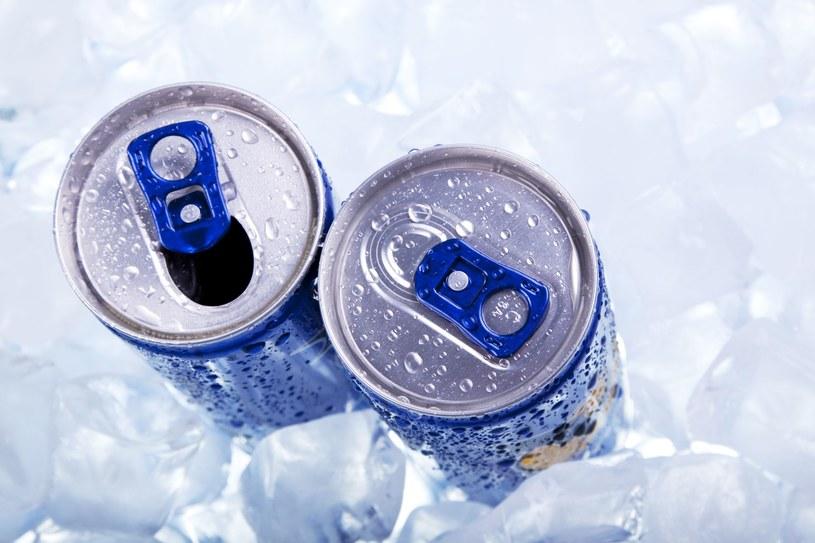 Napoje energetyczne - jak wykazują z kolei inne badania - mają także związek ze zwiększonym ryzykiem wystąpienia zmian metabolicznych /123RF/PICSEL