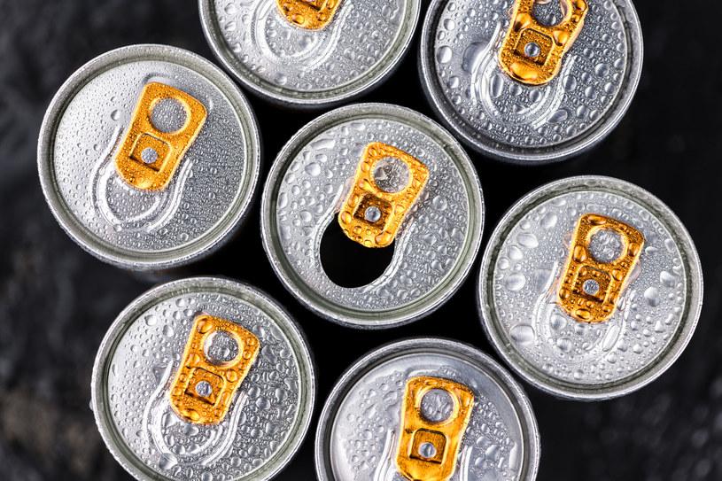 Napoje energetyczne wykazują wiele długofalowych skutków ubocznych /123RF/PICSEL