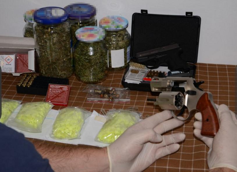 Narkotyki, broń i amunicja znalezione na Śląsku /Policja