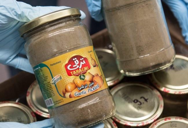 Narkotyki były przemycane w ładunku czosnku /BORIS ROESSLER   /PAP/EPA
