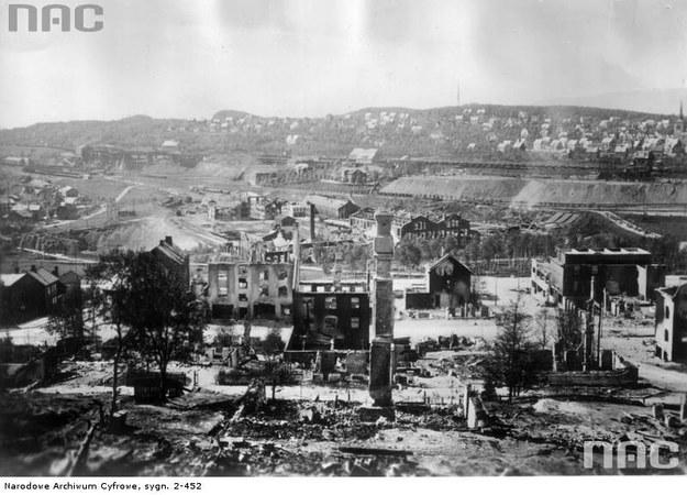 Narwik - miasto zniszczone po walkach /Z archiwum Narodowego Archiwum Cyfrowego