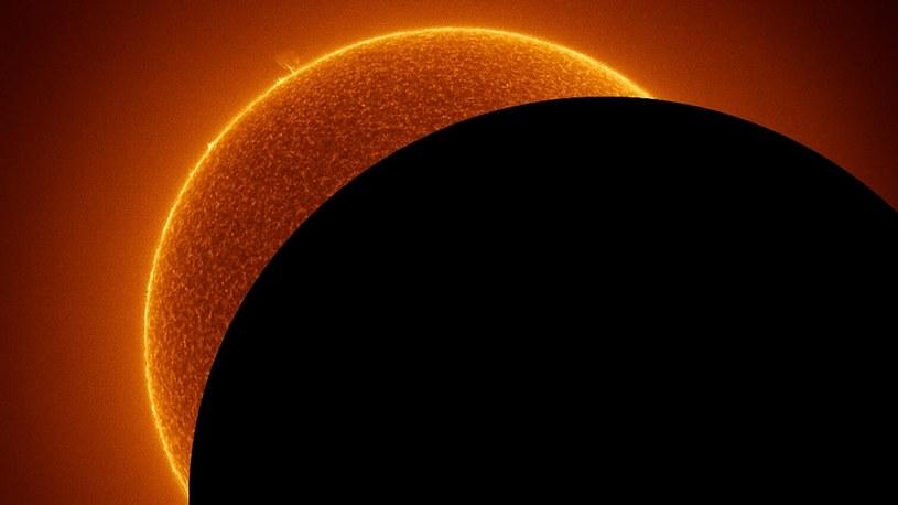 NASA: Gigantyczny obiekt migocze w centrum Drogi Mlecznej. To nie czarna dziura /Geekweek