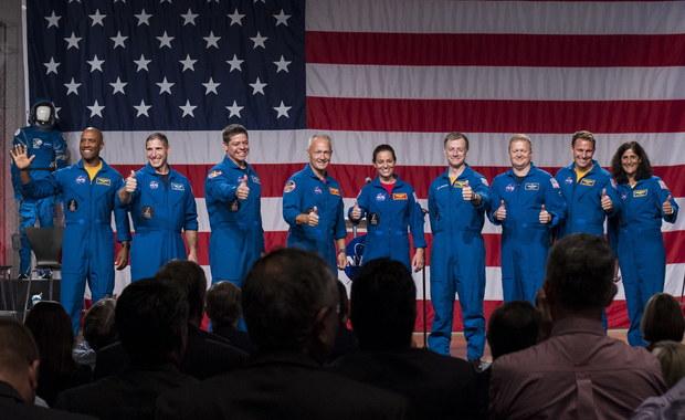 NASA przedstawiła załogi pierwszych lotów statków komercyjnych