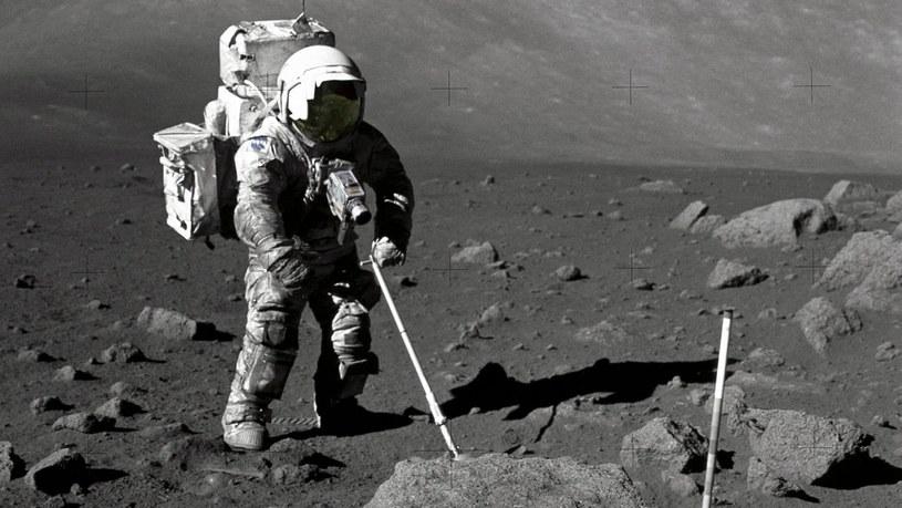 NASA skupi skały z Księżyca /NASA
