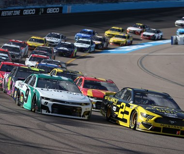 NASCAR zastępuje odwołane wyścigi… zawodami esportowymi z zawodowymi kierowcami