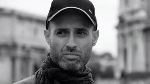 Nasi bohaterowie przekonują, że poprawianie urody daje szczęście - mówi Miguel Gaudencio /
