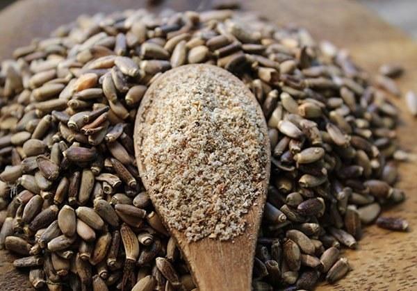 Nasiona Ostropestu plamistego oczyszczanie wątroby /© Photogenica