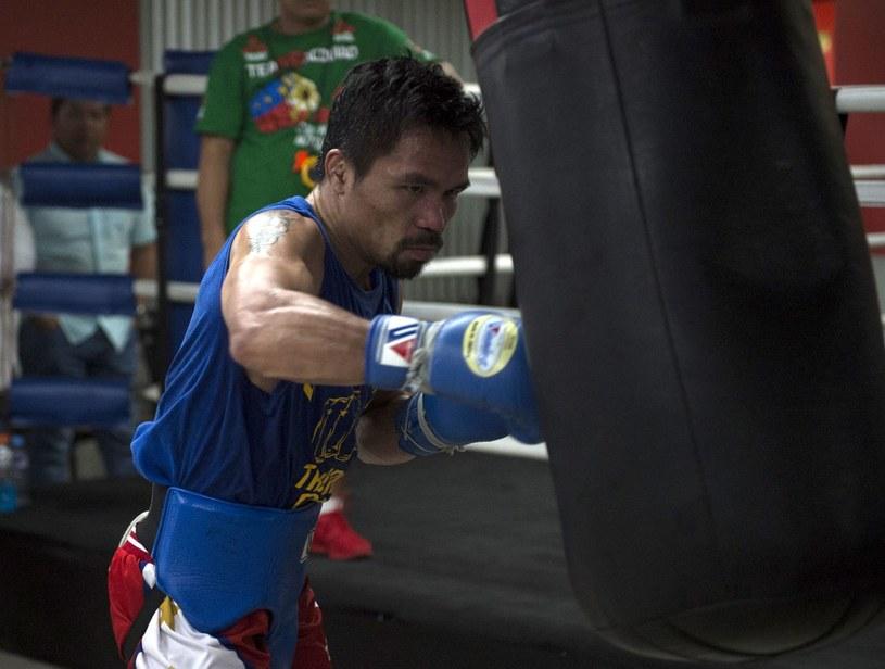 Następcy Manny'ego Pacquiao pomagają sobie oszustwami /AFP