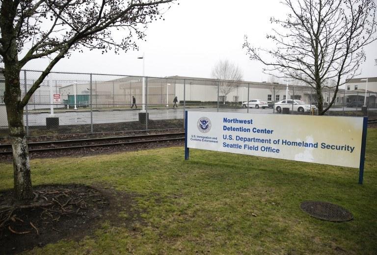 Nastolatka spędziła dwa tygodnie w oddalonym o 200 km od miejsca zatrzymania areszcie w Tacoma /Jason Redmond /AFP