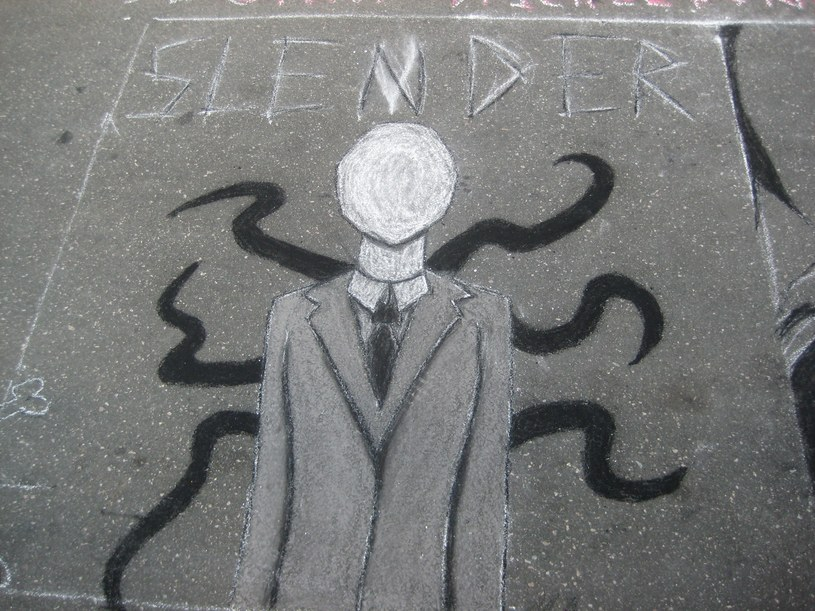 Nastolatki postanowiły złożyć bestii prawdziwą, ludzką ofiarę /materiały prasowe