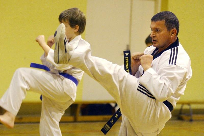Nasz rozmówca - Dariusz Nowicki (6 dan w taekwondo) /INTERIA.PL