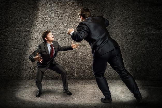Nasze Ministerstwo Finansów ostrzega przed oszustami /©123RF/PICSEL