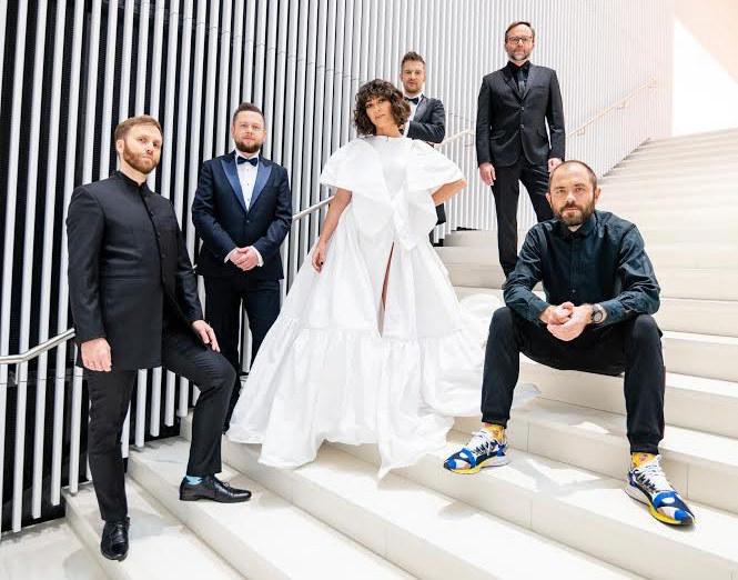 Natalia Kukulska z muzykami, z którymi na nowo zaaranżowała Chopina /materiały promocyjne