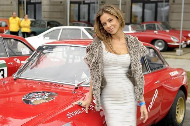 Natalia Lesz chciałaby przytulić Magika. Może nawet zabrać na przejażdżkę fajnym samochodem /AKPA