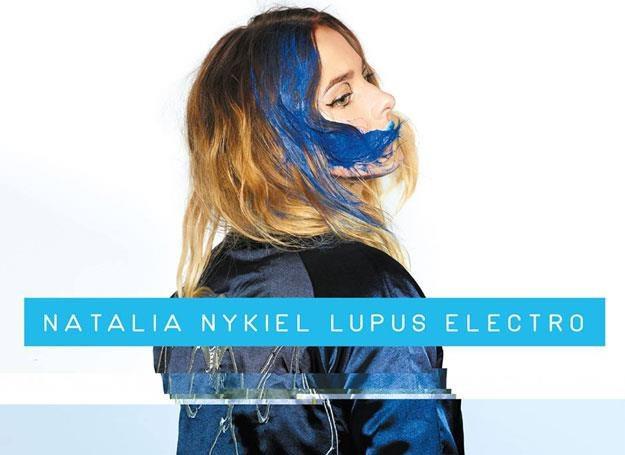 "Natalia Nykiel na okładce ""Lupus Electro"" /"