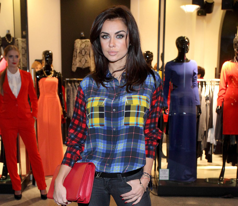 Natalia Siwiec uwielbia flanelowe koszule /East News