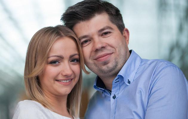 """Natalia Wodzinowska i Pawel Szakiewicz z programu """"Rolnik szuka żony"""" /Agencja FORUM"""
