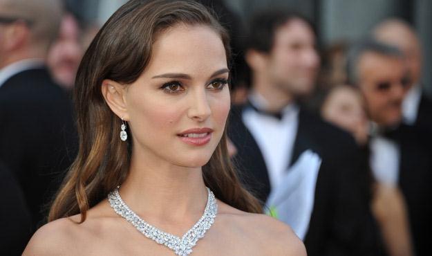 Natalie Portman angażuje się w działalność charytatywną /AFP