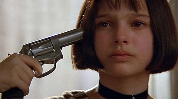 """Natalie Portman w scenie z filmu """"Leon zawodowiec"""" /materiały prasowe"""