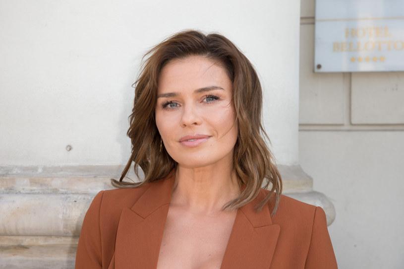 Natasza Urbańska jest aktorką, tancerką i piosenkarką /Artur Zawadzki /East News