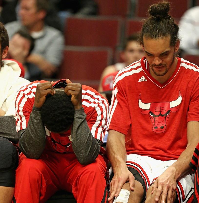 Nate Robinson (z lewej) i Joakim Noah z Chicago Bulls /AFP