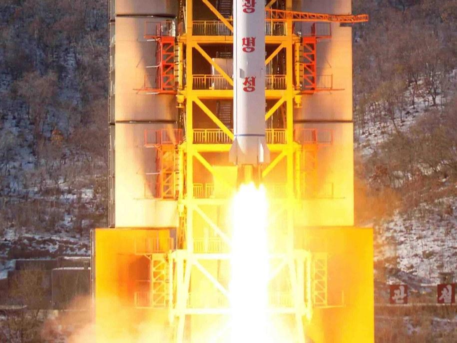 NATO potępia wystrzelenie rakiety dalekiego zasięgu przez Koreę Północną /KCNA/HANDOUT /PAP/EPA