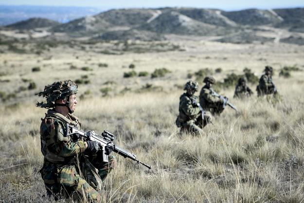 NATO-wscy żołnierze w czasie ćwiczeń /DIRK WAEM BELGA /PAP/EPA