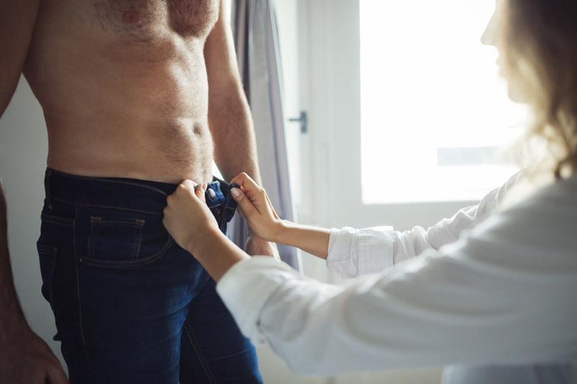 Naturalne afrodyzjaki sprawiają,  że temperatura związku rośnie, a zakochani nie mogą przestać o siebie myśleć /123RF/PICSEL