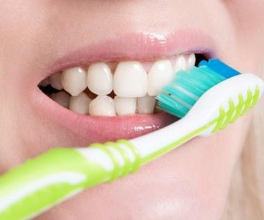 Naturalne alternatywy dla pasty do zębów