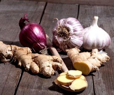 Naturalne antybiotyki - niezbędne podczas jesiennego przeziębienia