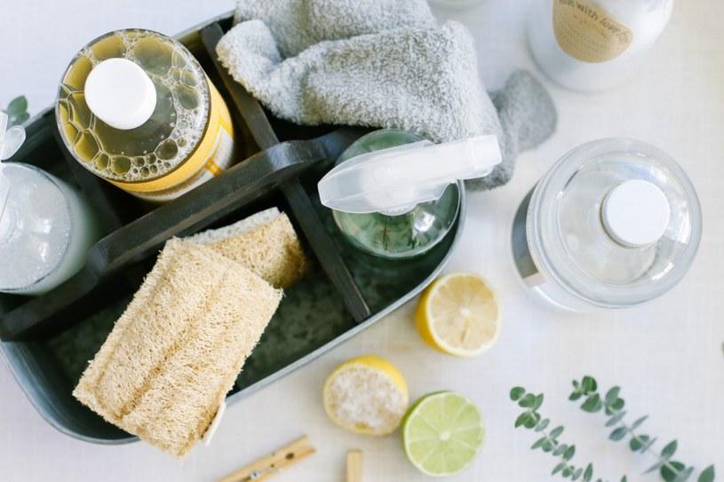 naturalne metody sprzątania domu /© Photogenica